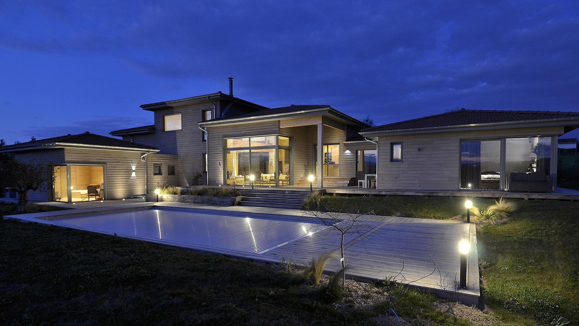 maison bois gris